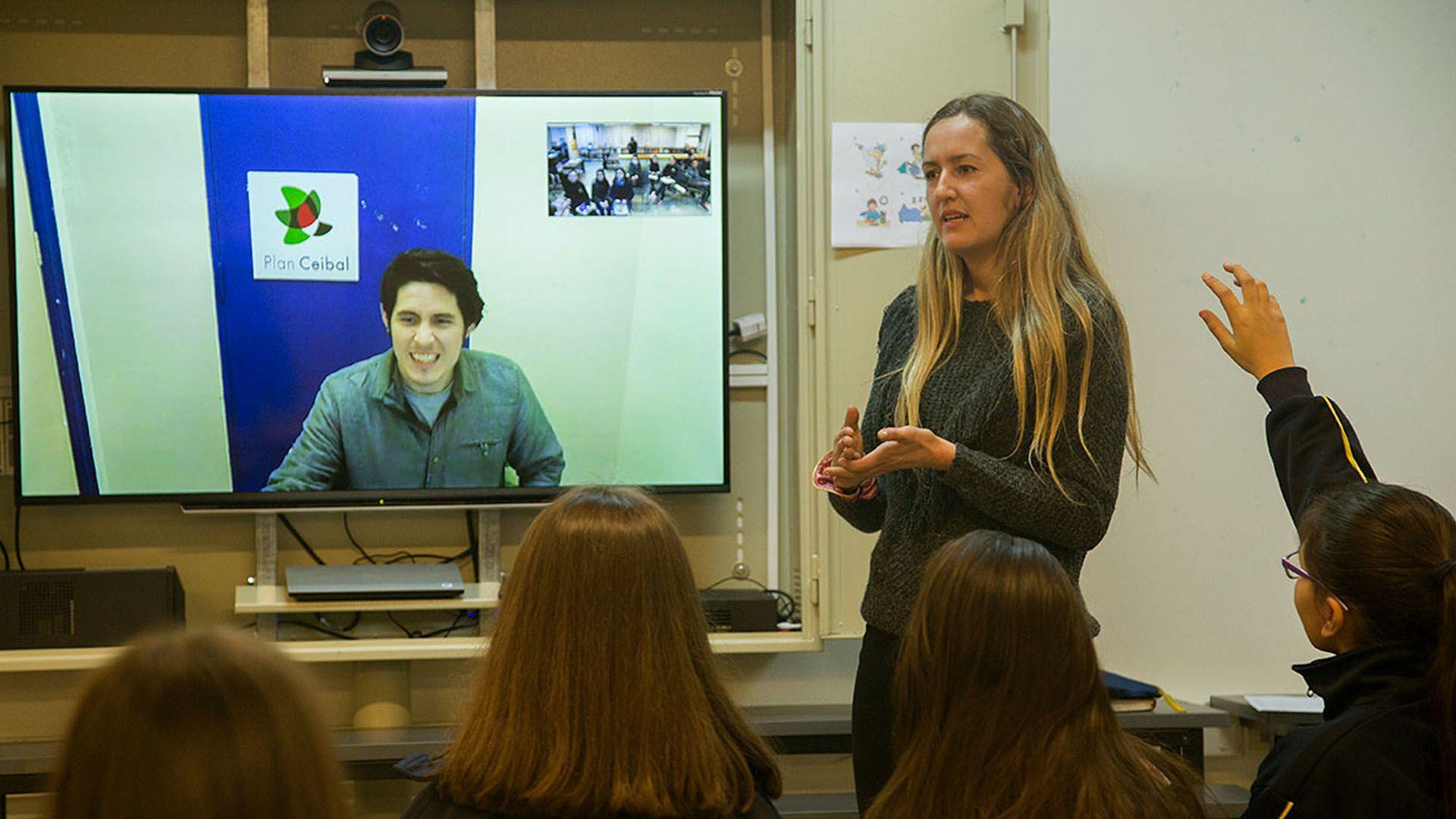 Inglés por videoconferencia en Uruguay, destinado a chicos de primaria