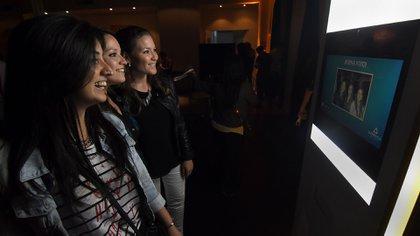 La cabina de fotos Súper VGA fue otra de las atracciones de la noche