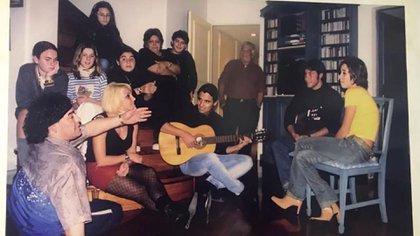 Alejandro interpretó La Mano de Dios en el cumpleaños de 15 de Dalma, a pedido de Diego (Foto: Archivo Alejandro Romero)