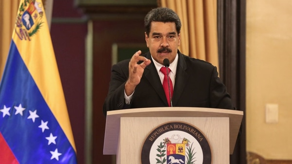 Nicolás Maduro durante la conferencia de prensa después del atentado..
