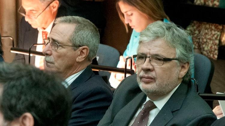 Juan Pablo Schiavi con Ricardo Jaime a su izquierda, ex secretarios de Transporte condenados (foto NA)