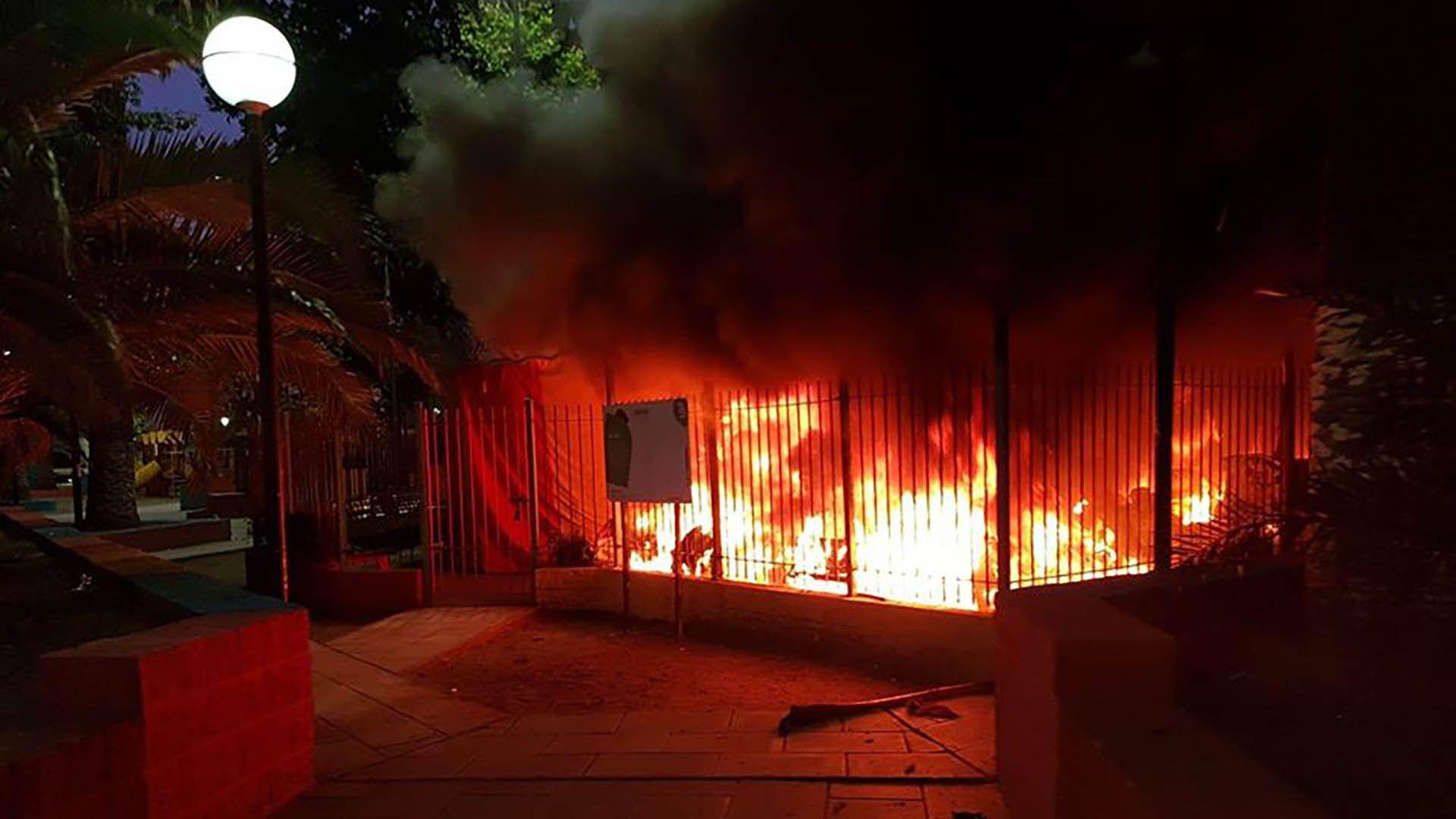 Los vecinos aseguran que el incendio fue intencional (Facebook)