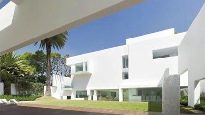 La casa blanca de Angélica Rivera y Enrique Peña Nieto fue uno de los escándalos de corrupción que más afectaron la imagen de la entonces pareja presidencial (Foto: Captura de pantalla)