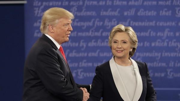 """La campaña presidencial de EEUU en 2016 fue un fuerte ejemplo de la """"datificación"""" de las elecciones, como llamó Jamie Bartlett al fenómeno. (AP)"""