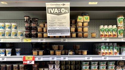 El gobierno autorizó a aumentar sólo 7% para los yogures firmes y bebibles; el resto estará liberado