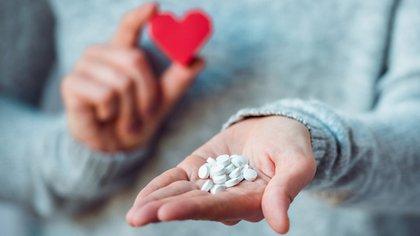 El ibuprofeno sin dudas es uno de los antiinflamatorios escogidos por la población para calmar molestias diarias un estudio afirmo que aumentan un 31% el riesgo de sufrir un paro cardíaco (iStock)