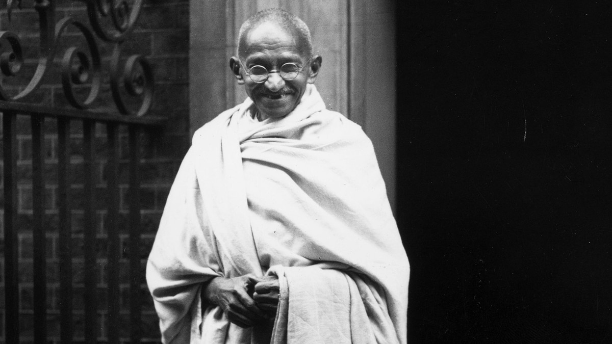 a biography of mahatma gandhi a spiritual and political leader A fine and engaging biography of mahatma gandhi gandhi: a political and spiritual life  that for gandhi the spiritual and political means were.