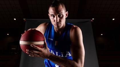 Danilo Gallinari cuenta con un confiable lanzamiento de 3 puntos (@Italbasket)