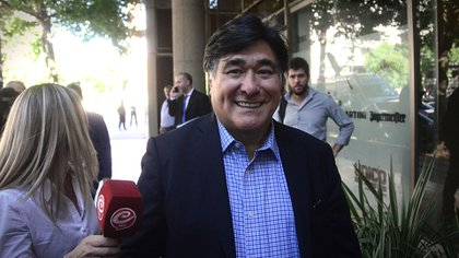 Carlos Zannini, llegando el viernes a la reunión en donde Alberto Fernández anunciaría que lo nombrará Procurador del Tesoro (Gustavo Gavotti)