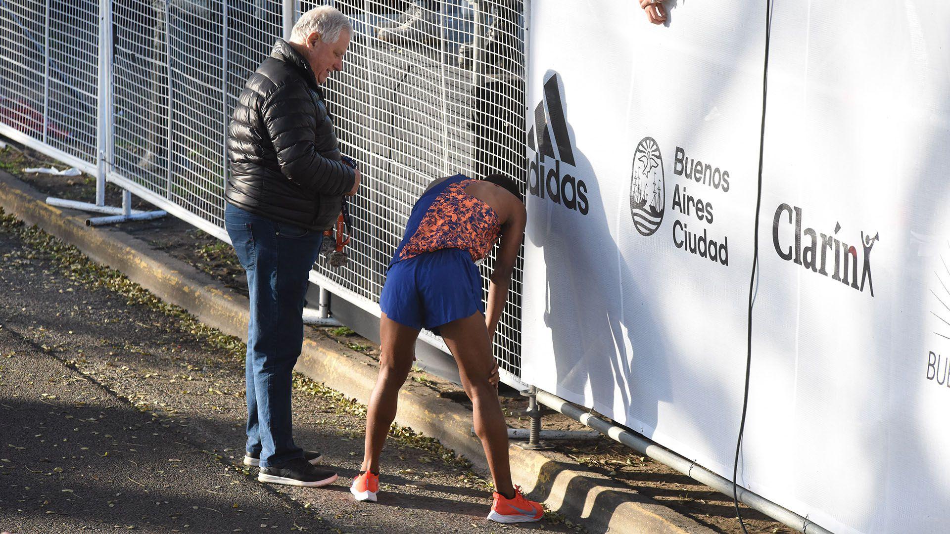 El desgaste posterior a la competición de uno de los corredores