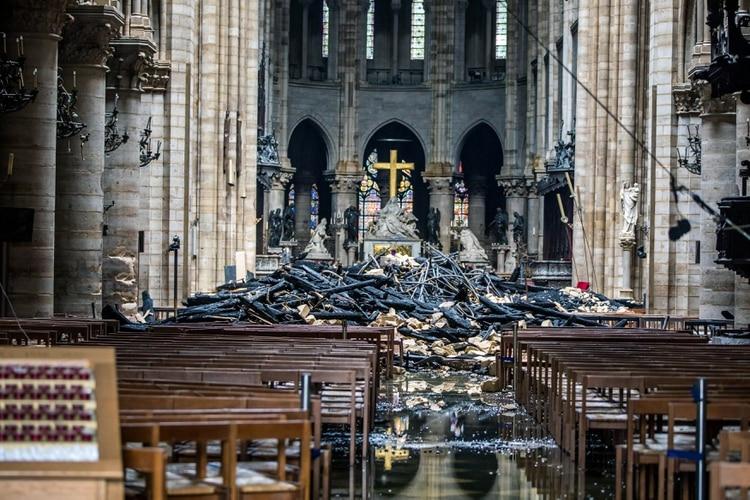 Imágenes del interior de la cátedral después del incendio (Foto: Archivo)