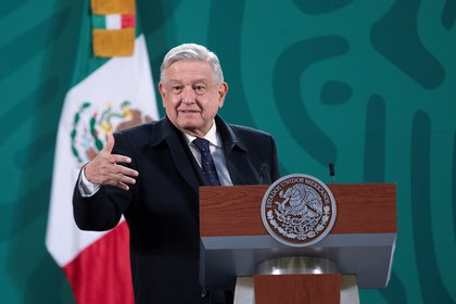 Photograph given today by the presidency of Mexico, of the Mexican president, Andrés Manuel López Obrador, during a press conference at the National Palace of Mexico City (Mexico).  EFE / Presidencia de México / ONLY EDITORIAL USE ONLY AVAILABLE TO ILLUSTRATE THE ACCOMPANYING NEWS (MANDATORY CREDIT)