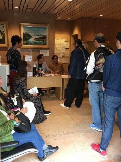 Argentinos votando desde Japón