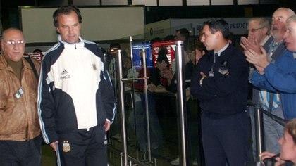 Para Grondona no importaba que Bielsa no saludara a los dirigentes (Foto: NA)