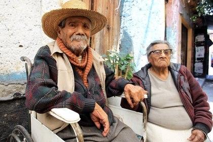 Los jubilados ya han recibido su pago de bonificación de Navidad.  (Foto: EFE)