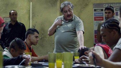 """Mario Borges (Claudio Rissi) tiene el poder del penal San Onofre en """"El Marginal"""""""