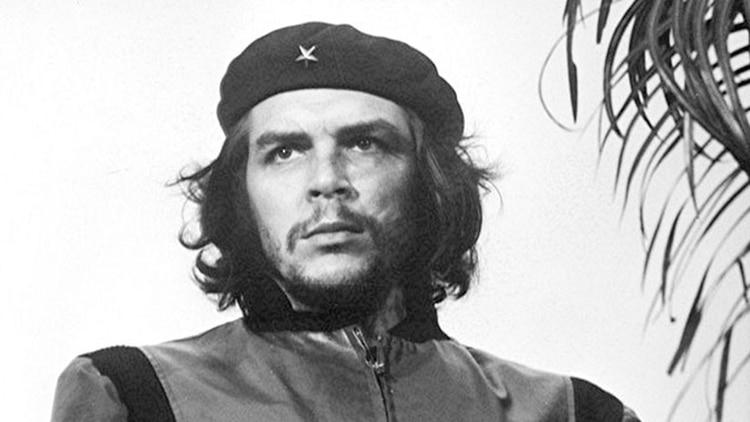 La foto icónica de Ernesto Guevara tomada por Alberto Díaz (Korda) en 1960