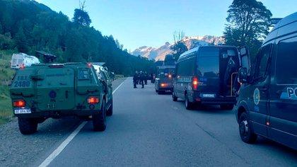 Fuerzas oficiales esperan que avance la orden de justicia