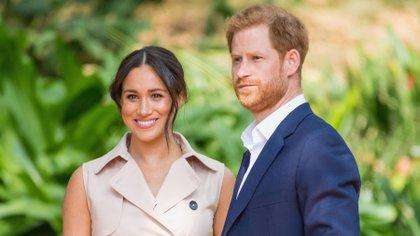 El príncipe Harry y Meghan Markle cuentan la verdad sobre su relación a los medios en un documental producido por ITV