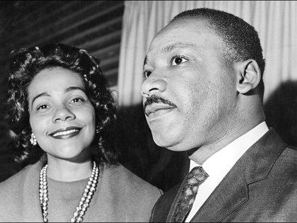 Coretta Scott King junto a su marido, Martin.