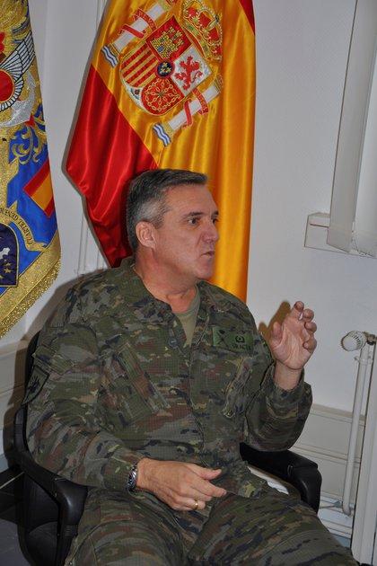 El general de Brigada Fernando Gracia Herr�iz, durante la entrevista concedida a Efe en su despacho del cuartel general del Eurocuerpo, en Estrasburgo (noreste de Francia). EFE/Javier Aguilar