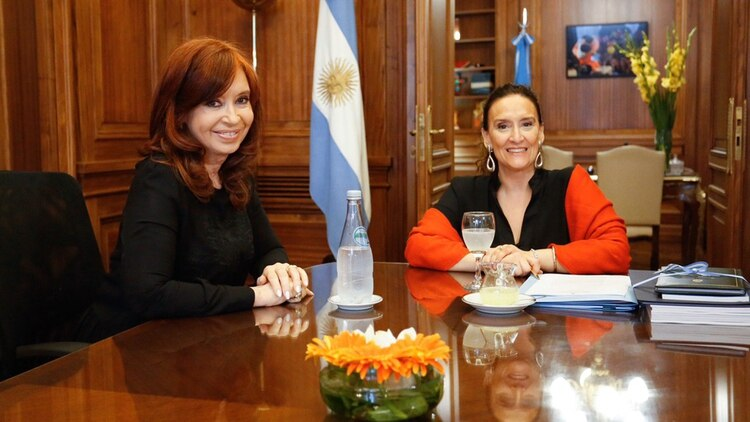 La ex presidente y Gabriela Michetti se reunieron para hablar del traspaso de mando