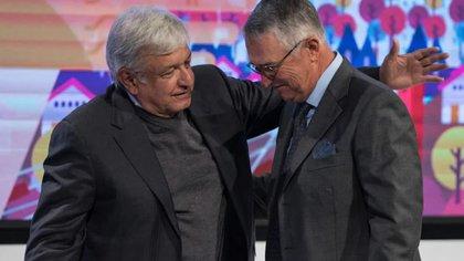Ricardo Salinas es parte del consejo de asesores del presidente Andrés Manuel López Obrador (Foto: Archivo)