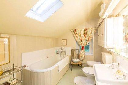 Todas las habitaciones cuentan con baños en suite (Airbnb)