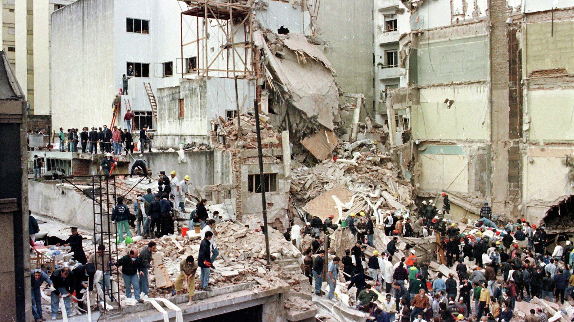 El atentado a la AMIA dejó 85 personas muertas y 151 heridos (AFP)