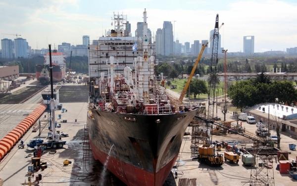 La industria naval es una de las más afectadas negativamente