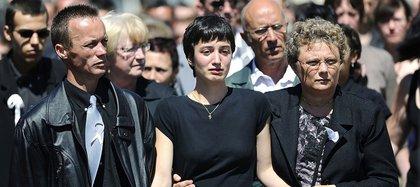 La hermana de Laëtitia, durante el funeral de la joven asesinada AFP/ JEAN-SEBASTIEN EVRARD