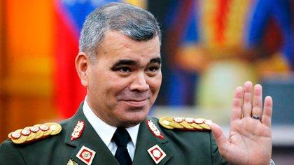 Padrino López debió revocar cinco resoluciones