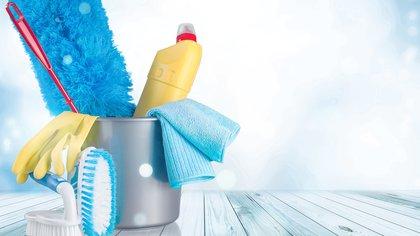 Los elementos esenciales para iniciar una rutina de limpieza en cualquier hogar (Shutterstock)