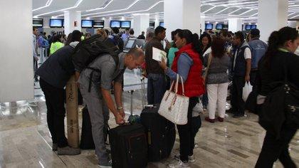 Una organización en defensa de los consumidores aseguró que acumulan quejas de hasta 200 pasajeros contra Interjet (Foto: Antonio Cruz/ Cuartoscuro)