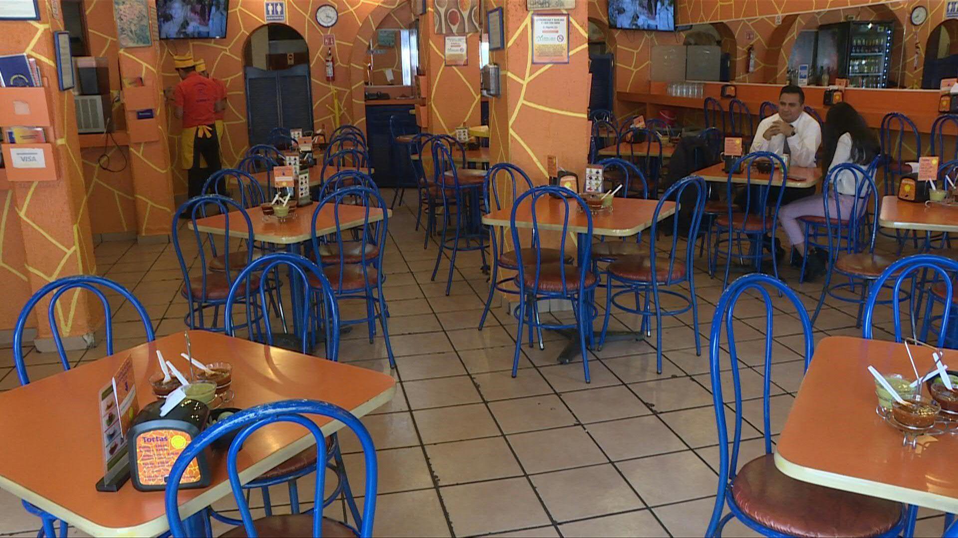Restaurantes en la Ciudad de México sufren por la falta de clientes (Foto: José Osorio/AFP)