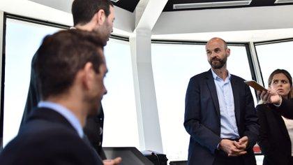 El ministro de Transporte, Guillermo Dietrich, en la presentación de la torre de control en Aeroparque. (Adrián Escandar)