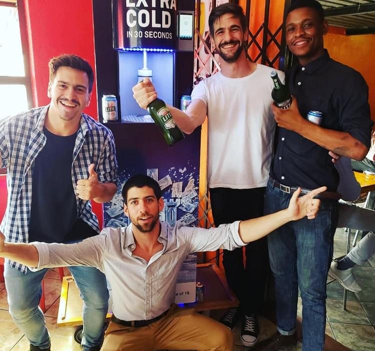 El grupo de argentinos se encuentra en estos momentos en Sudáfrica, en un viaje de negocios para vender la propiedad intelectual de la firma (@chillit_tech)
