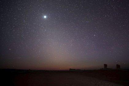 El planeta Venus visto desde Egipto con un brillo tal que parece una estrella. REUTERS/Amr Abdallah Dalsh