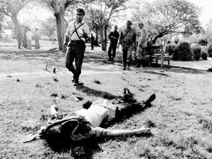 """""""El Negro"""" Luna, de 21 años, abatido por los guerrilleros."""