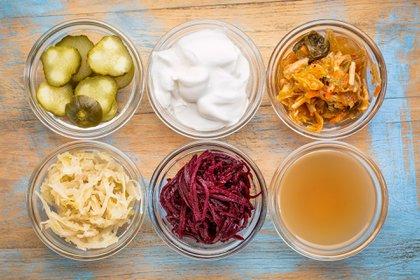 Aquí, se enmarcan alimentos como los probióticos y prebióticos, que, cuando aparecen este tipos de amenazas, cobran mucho auge (Shutterstock)