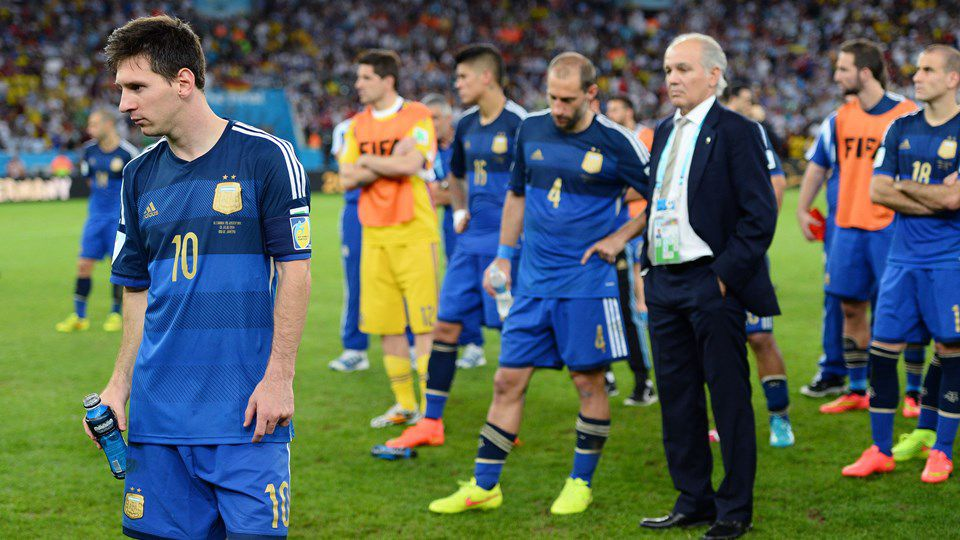 Con Messi a la cabeza, el lamento del plantel argentino tras la final perdida