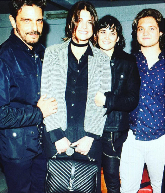 Fabián Mazzei, Araceli González y sus dos hijos, Florencia Torrente y Tomás Kirzner, en una foto de hace unos años