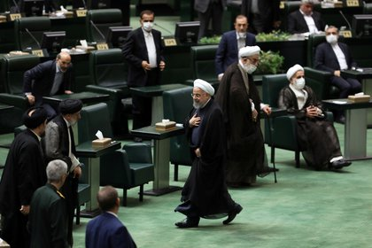 El Parlamento iraní condenó el acuerdo entre el gobierno de Hassan Rohani y el OIEA (WANA via REUTERS)