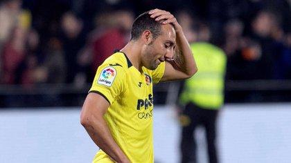 Santi Cazorla falló un penal en los minutos finales de la derrota 2 a 1 del Villarreal ante el Betis (EFE)