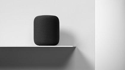 Apple anunció que suspenderá temporalmente el programa de control de calidad que requería la escucha, por parte de terceros, de fragmentos de interacciones del usuario con Siri.