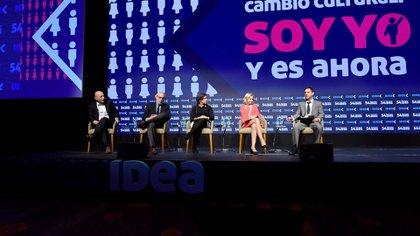 """El panel """"Pensar la Argentina"""" (Idea)"""