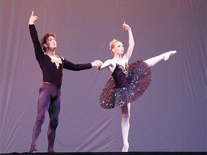 Julio Bocca y Eleonora Cassano en el Rosedal