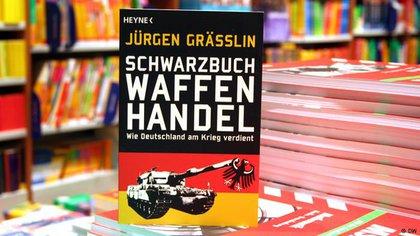"""""""El libro negro del comercio de armas"""" (2013) que destapó el escándalo en Alemania."""