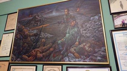 El cuadro que busca replicar aquella dramática noche en las islas, donde Baruzzo defendió a Echeverría que se desangraba sobre la nieve