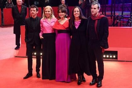 Natalia Meta, Erica Rivas, Nahuel Pérez Biscayart, Daniel Hendler y Cecilia Roth en el estreno de El intruso, en Berlín